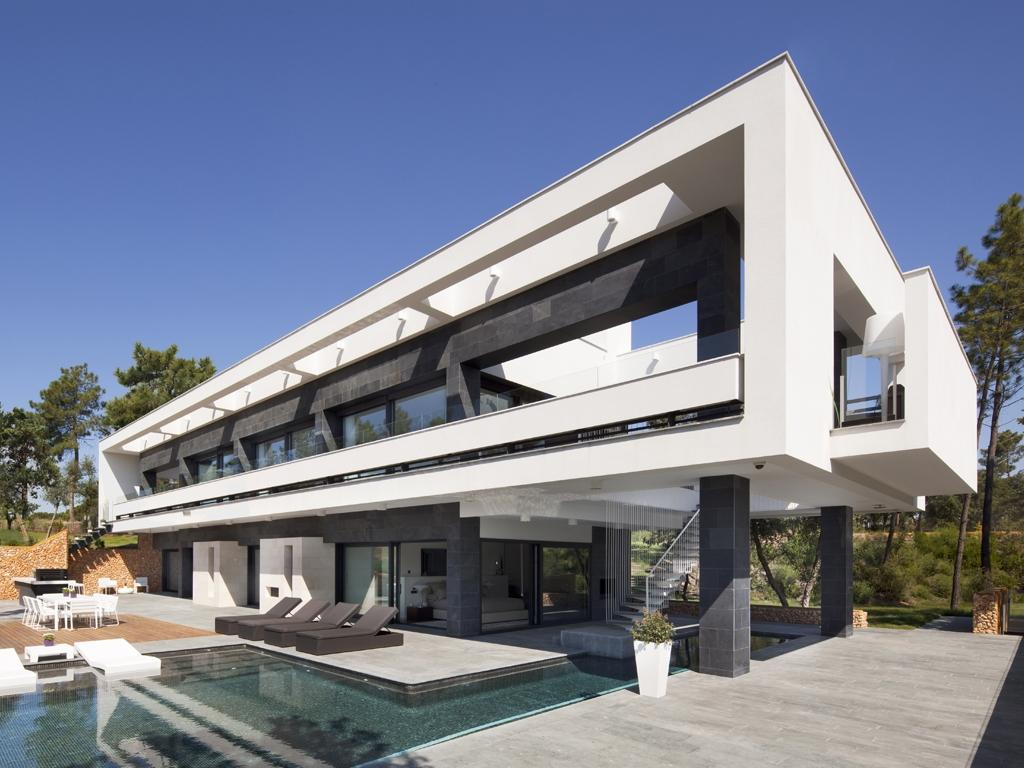 Luxury spanish villa with golf course views for Modern luxury villa design