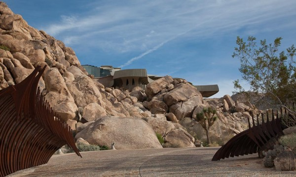 Its amazing exterior design is such that from certain angles it's difficult to even tell a house exists about the rocks and cacti. A hideout? We'll never tell.
