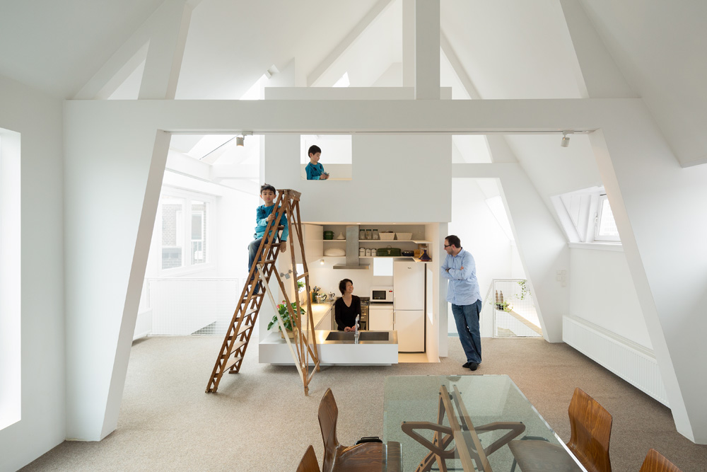 Bright and sunny amsterdam apartment renovation for Interieur design amsterdam