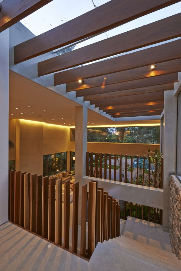 Deconstructed railings made of vertical boards are stylish while still providing a modicum of safety.
