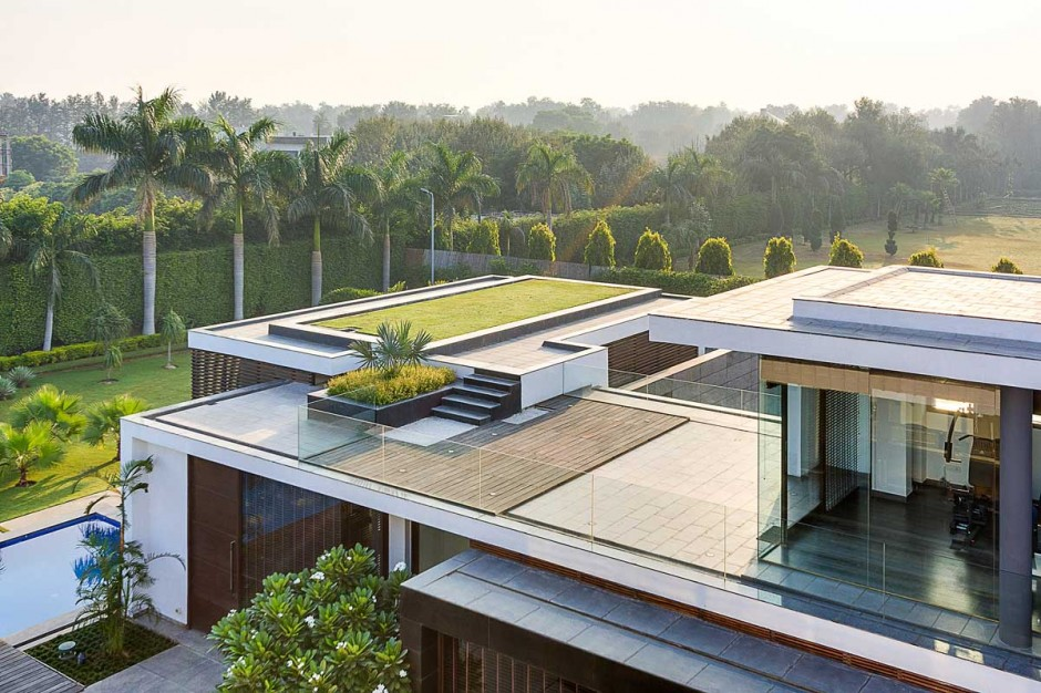 Contemporary new delhi villa with amazing courtyard and for Rooftop deck design ideas