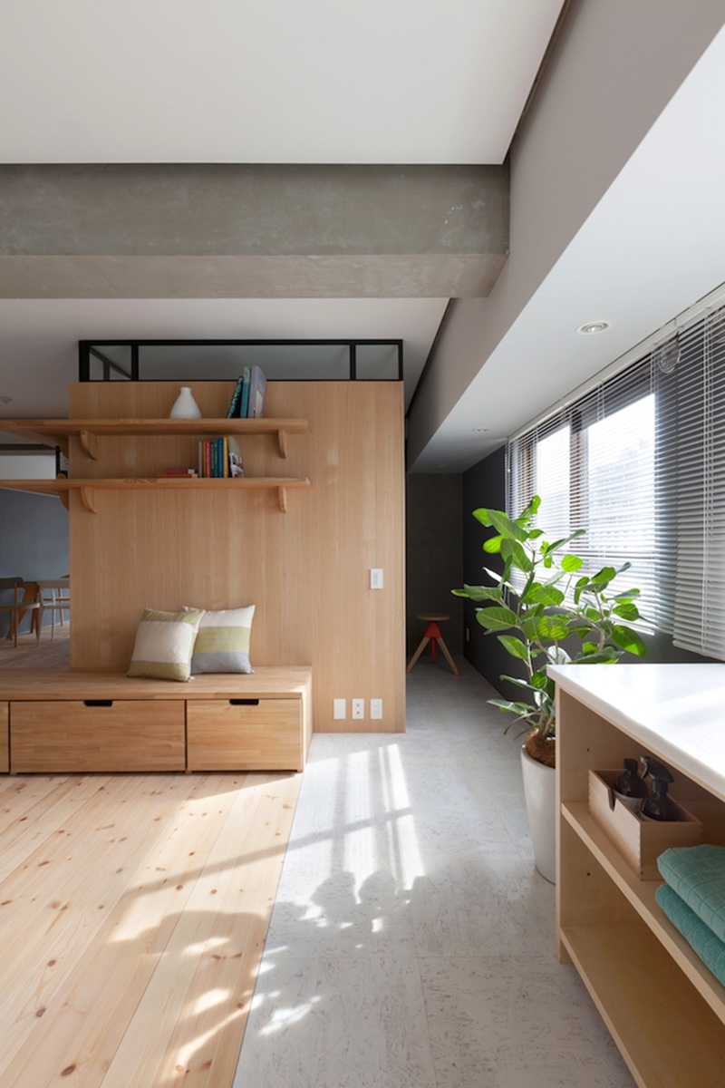 Two apartments in modern minimalist japanese style for Japanese minimalist home decor