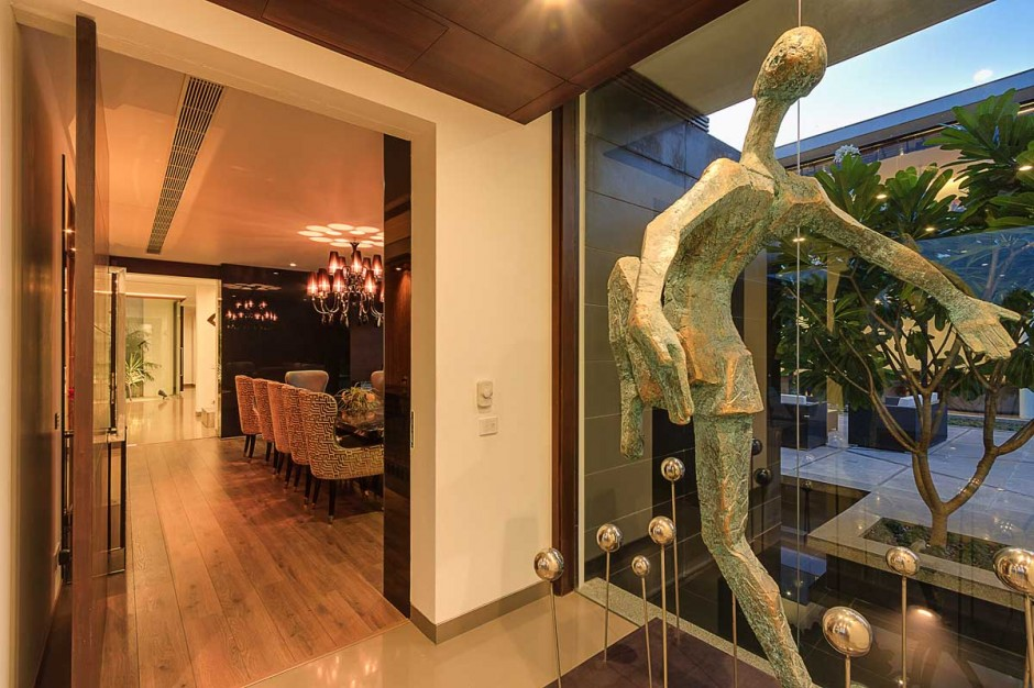 Creative Abstract Culture - Contemporary new delhi villa with amazing courtyard and water features