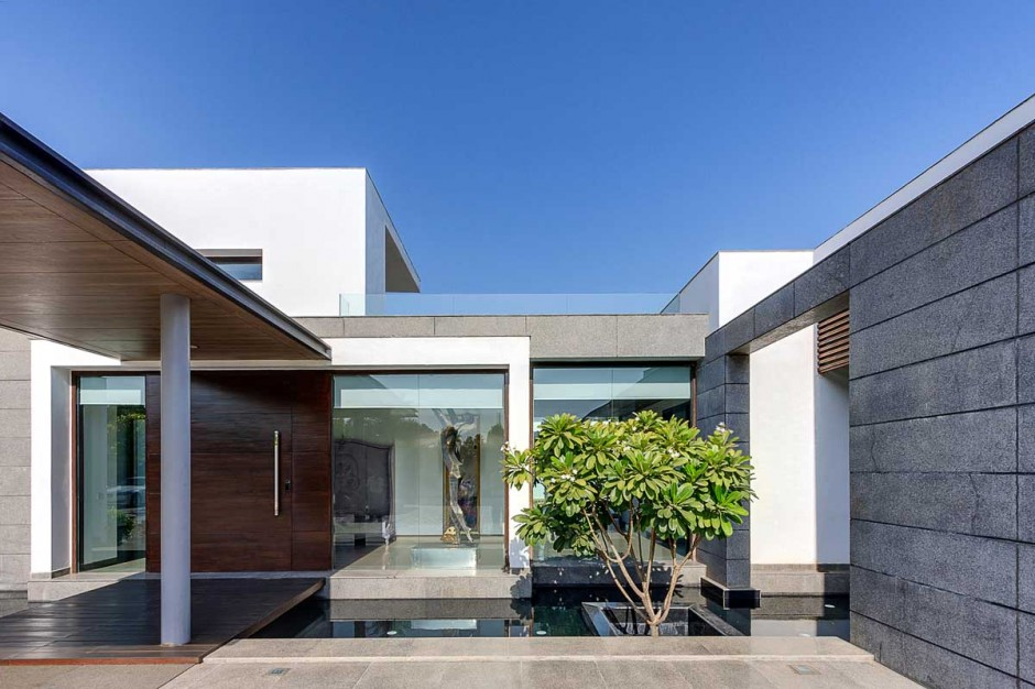 Geometric modern design contemporary new delhi villa with amazing courtyard and water features