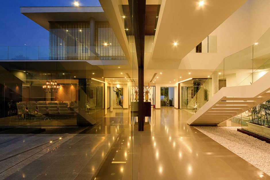 Modern Interior - Contemporary new delhi villa with amazing courtyard and water features