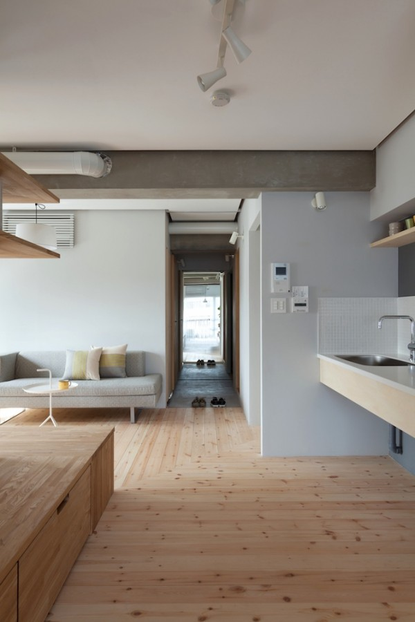 Two apartments in modern minimalist japanese style for Japanese minimalist interior design