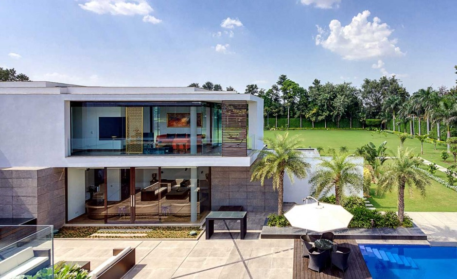 Two Story Tropical Villa - Contemporary new delhi villa with amazing courtyard and water features