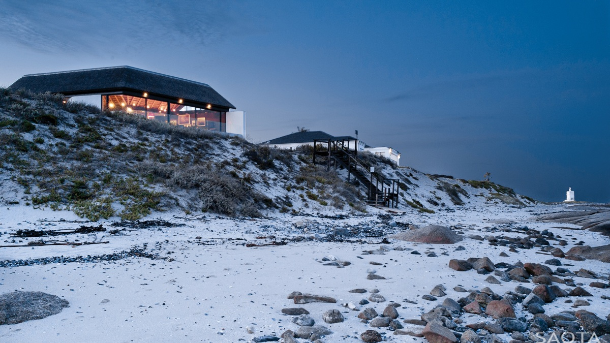 Beach House - Thatched roof beach house with outdoor entertaining spaces