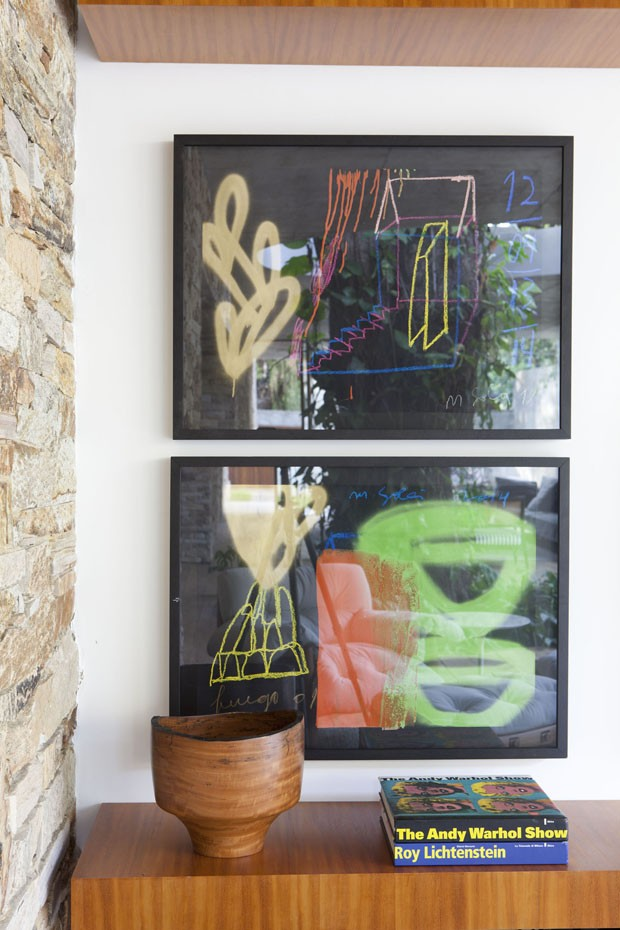 Abstract Wall Art - Beautiful brazilian house built up and around a tree