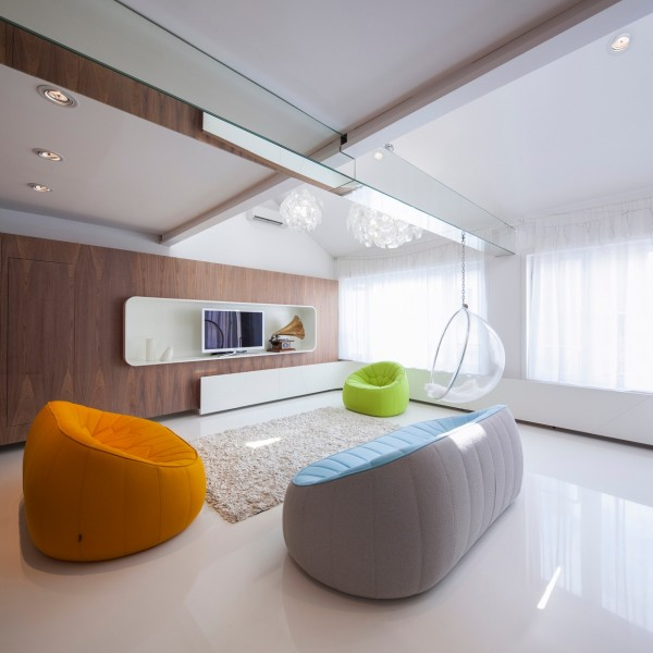 Space age sofa interior design ideas for Space age design