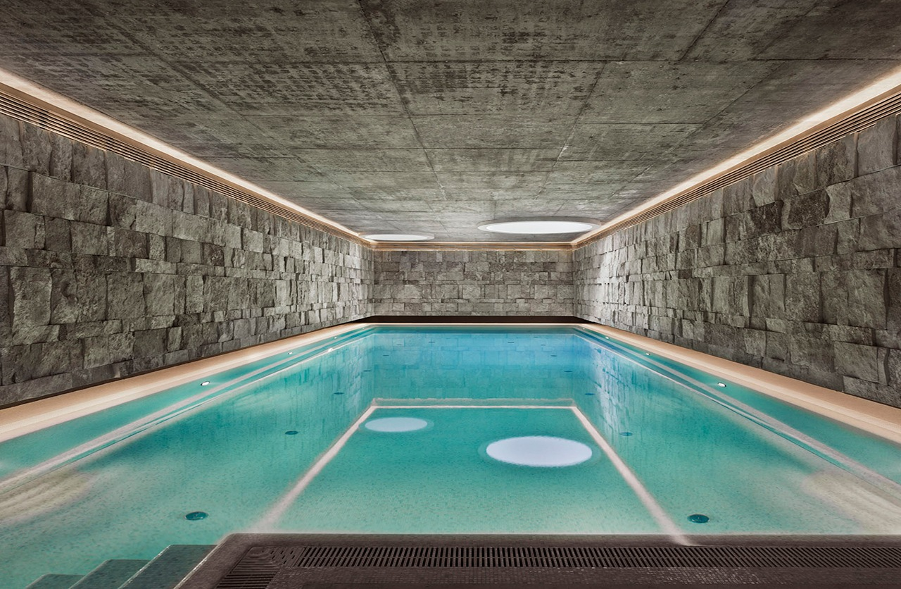 Stone swimming pool interior design ideas for Swimming pool room decor