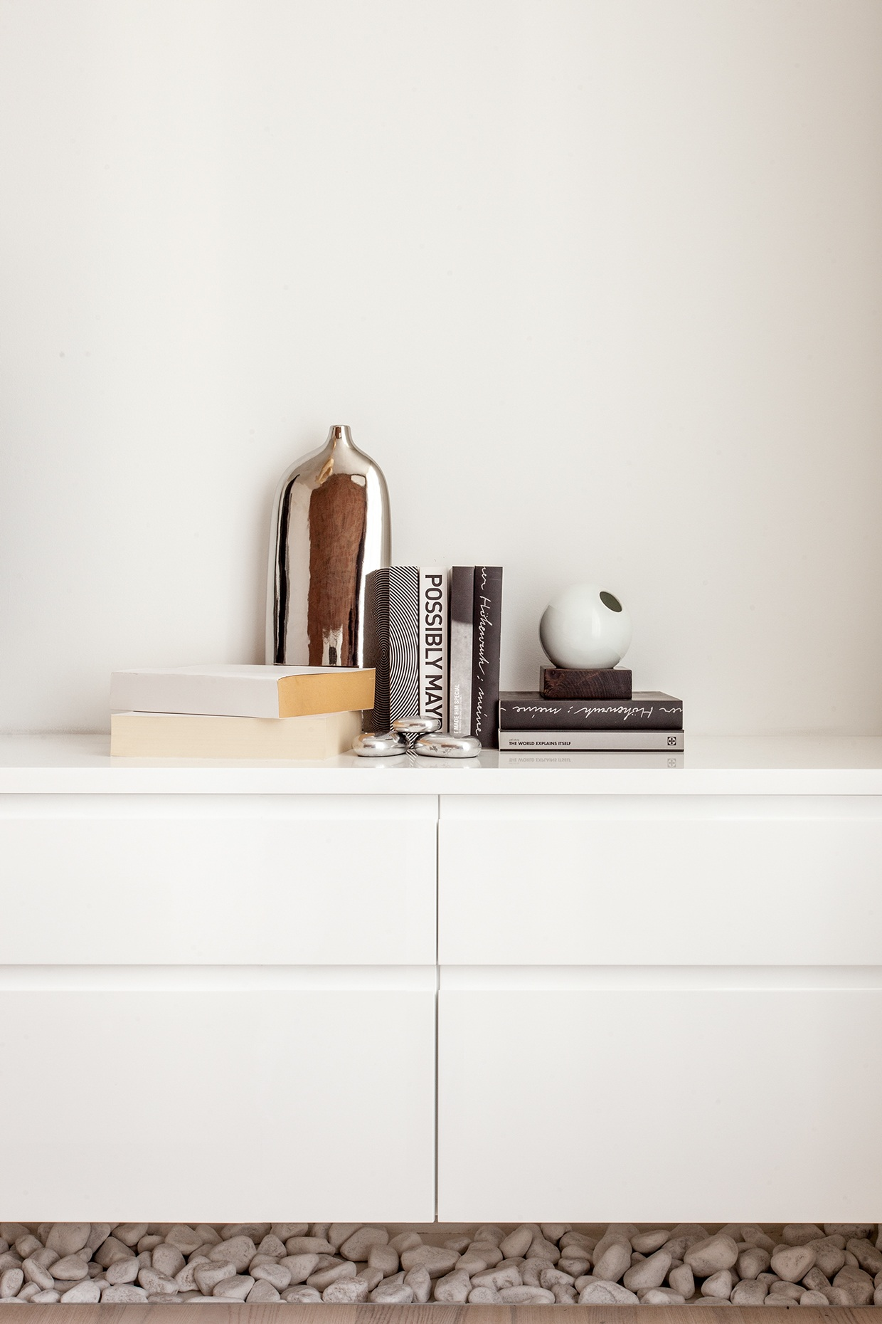 Curated Bookcase - 3 sparkling apartments that shine with wonderful white