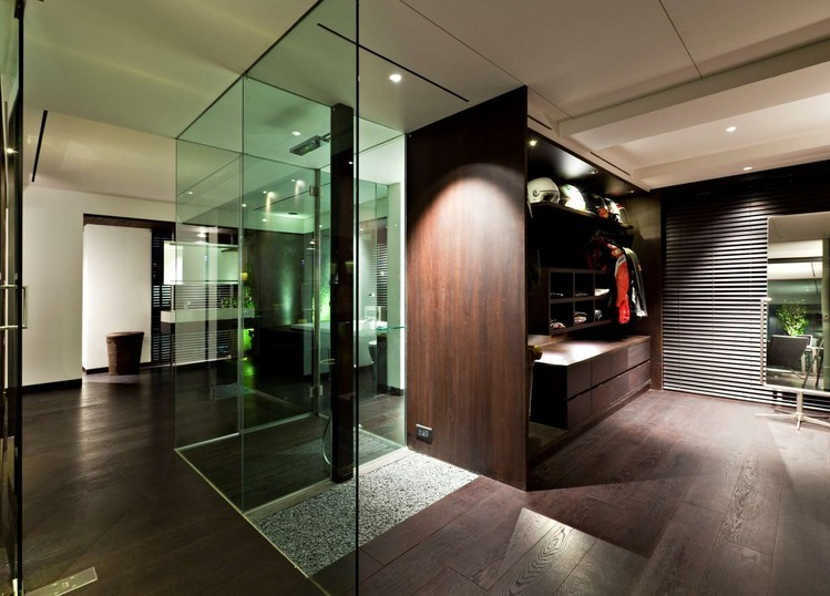 Modern luxury closet interior design ideas for Villa de luxe moderne interieur chambre