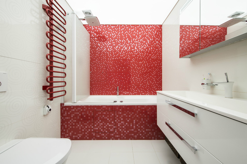 Good Red White Bathroom Ideas Part - 13: Great Red And White Bathroom Ideas. Two Modern Apartments With Perfectly  Placed Bursts Of Colors