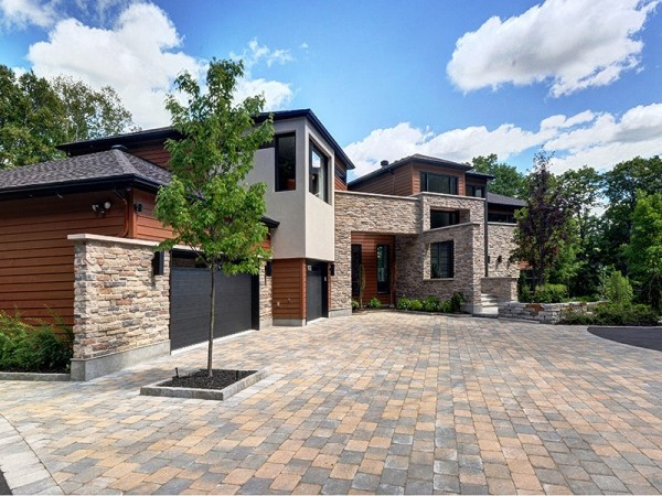 stone-and-wood-mountain-home