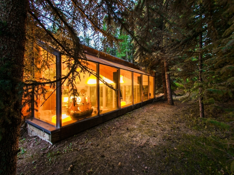 Sunroom Design - Gorgeous colorado cabin secluded among the trees