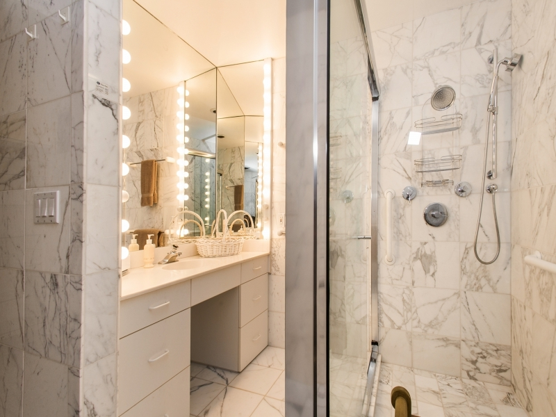 White Marble Bathroom - Gorgeous colorado cabin secluded among the trees