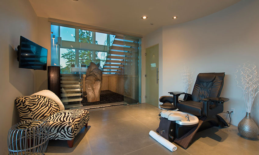 Private Spa Chair - Ultramodern lake house with luxurious details