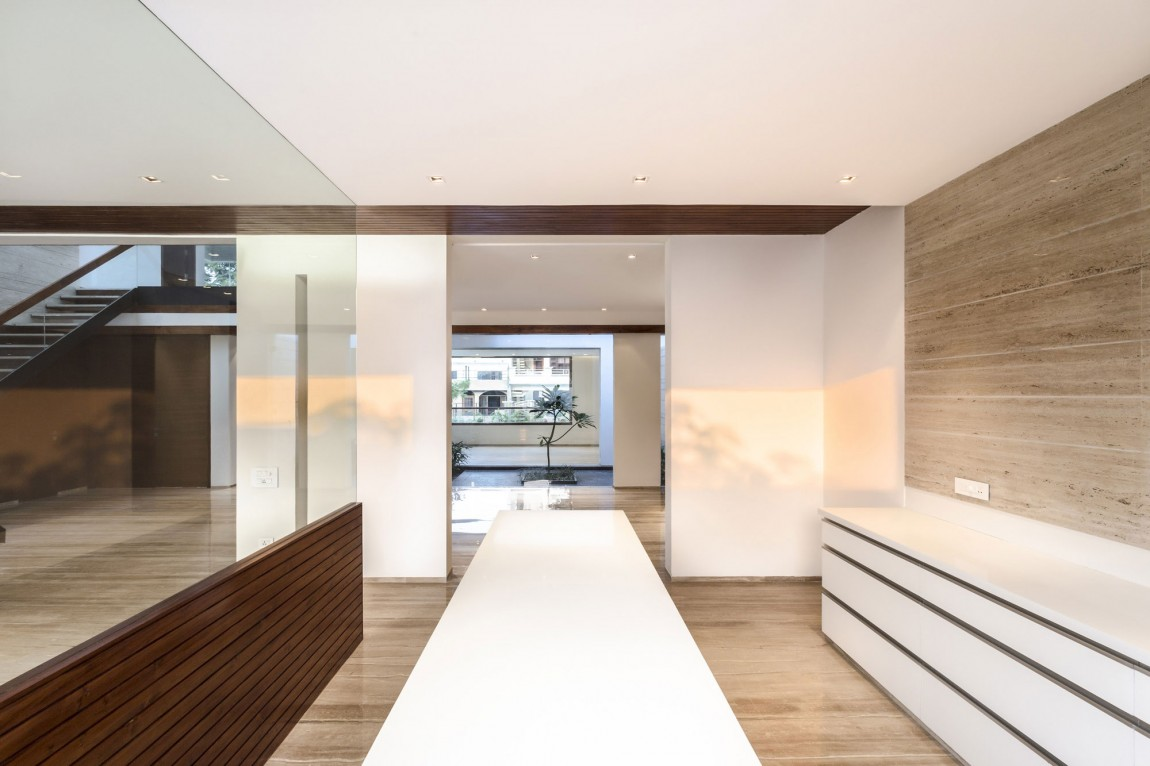 Smooth Natural Interior - A sleek modern home with indian sensibilities and an interior courtyard