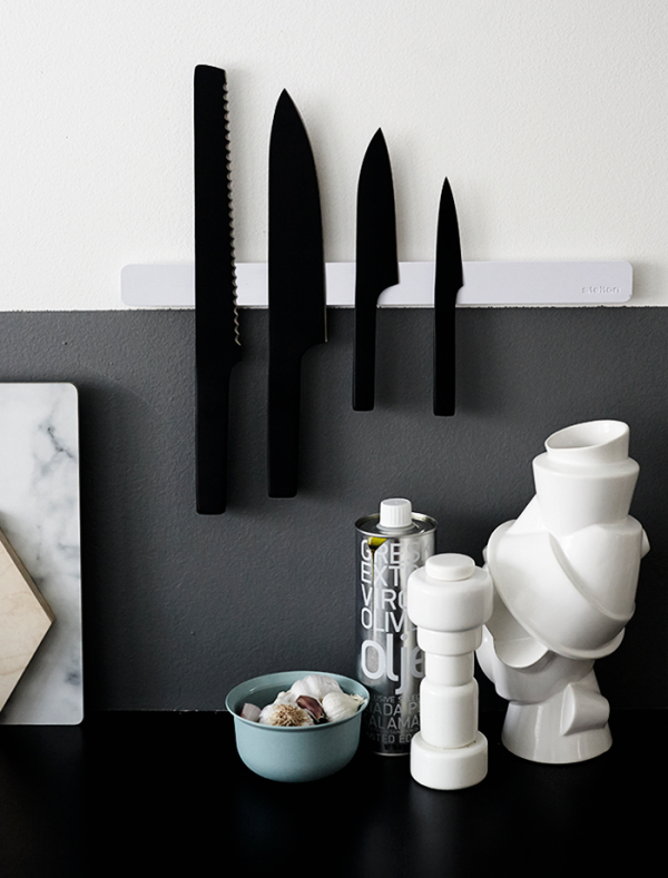 A minimalist set of knives that combine clean design with great aesthetics.