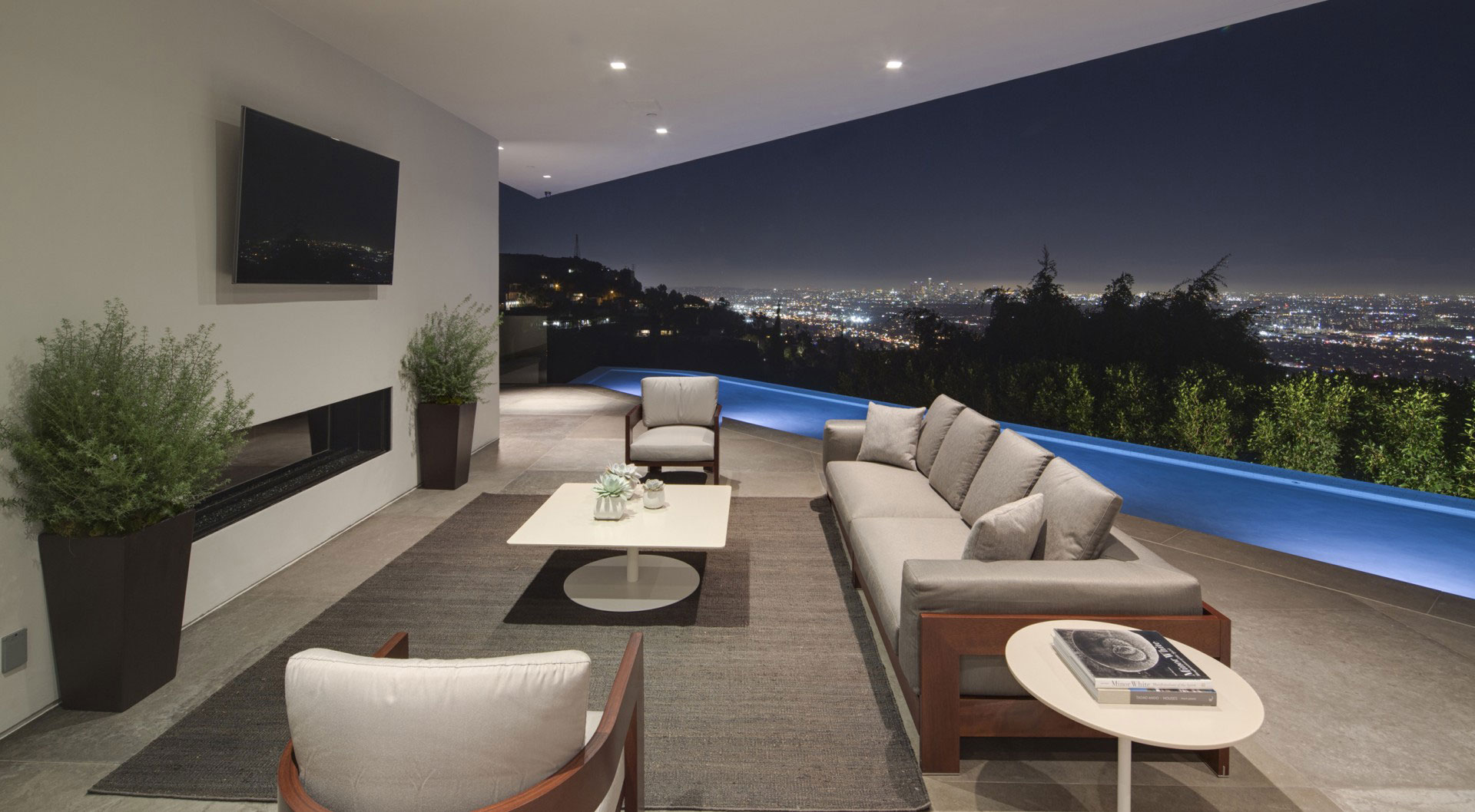 Spectacular Home View - A dramatic glass home overlooking the l a basin