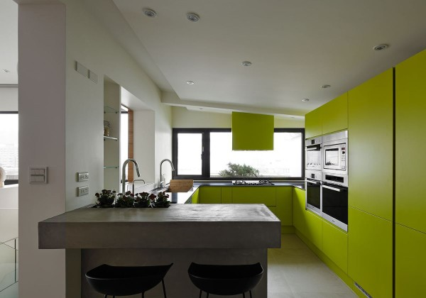 yellow-kitchen