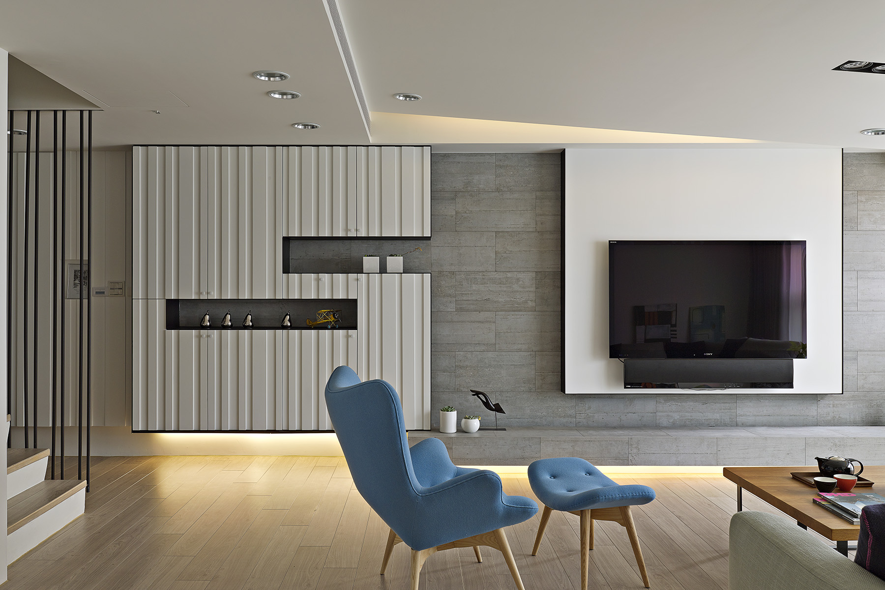 2 beautifully modern minimalist asian designs for Modern apartment living room