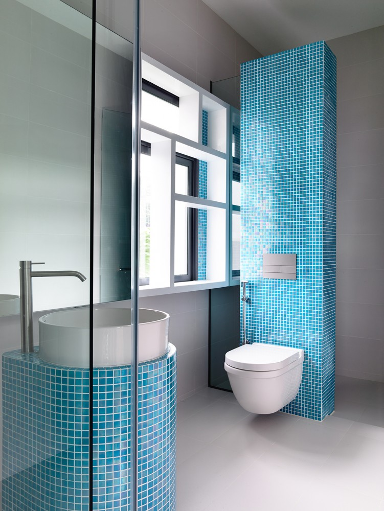 Beautiful Tiled Bathroom - Open tropical home with interior courtyard and wood features