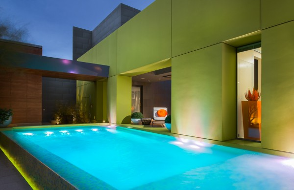 bright-desert-pool-design