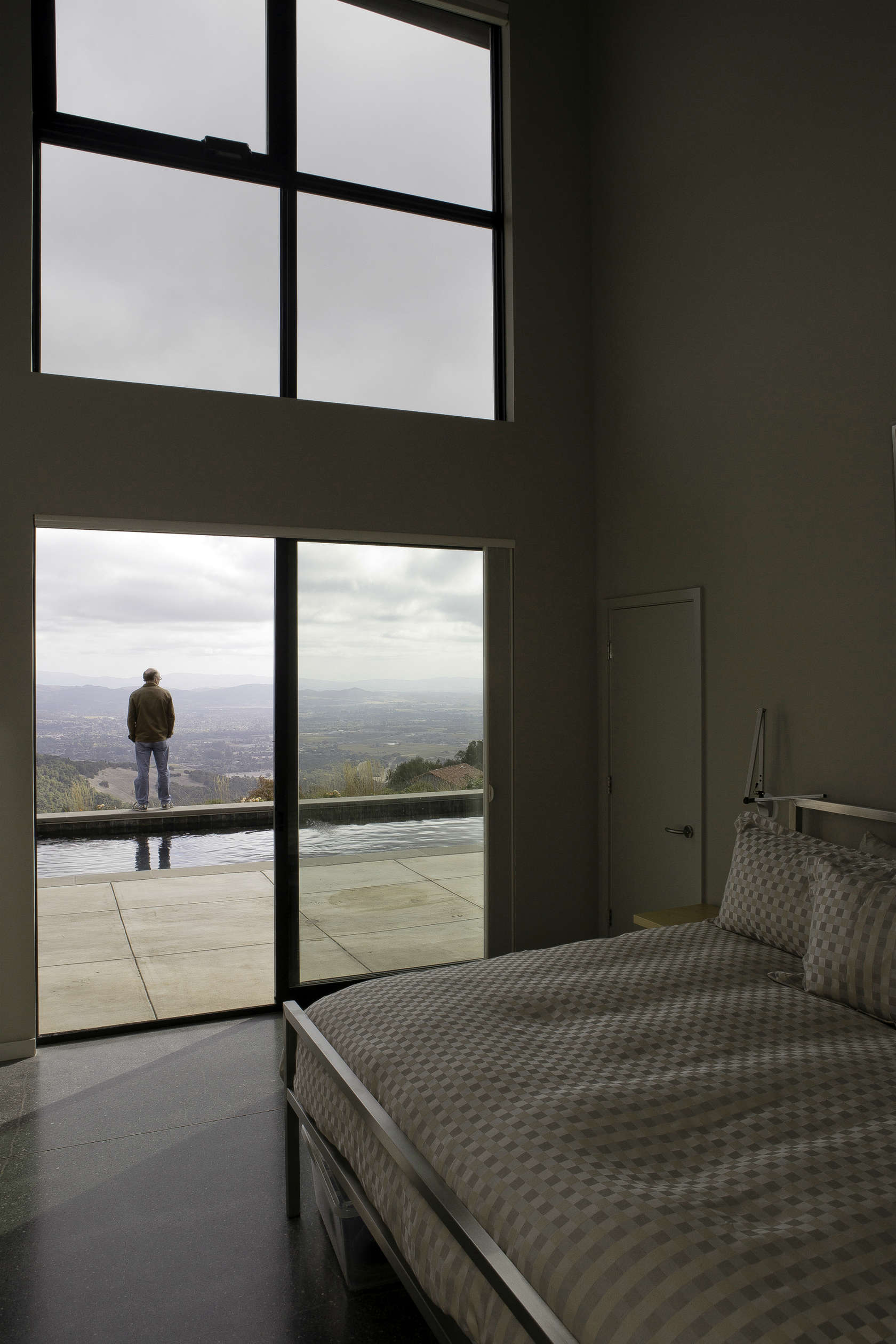 Home In The Hills - Custom home in sonoma gives a modern twist to wine country