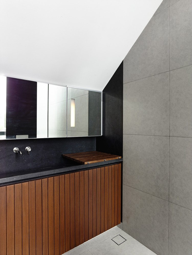 Modern Bath Design - Open tropical home with interior courtyard and wood features