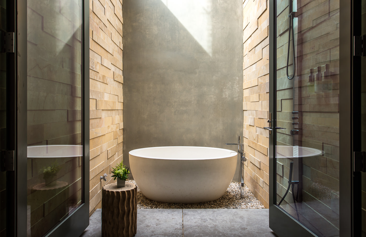 outdoor-bathtub | Interior Design Ideas.