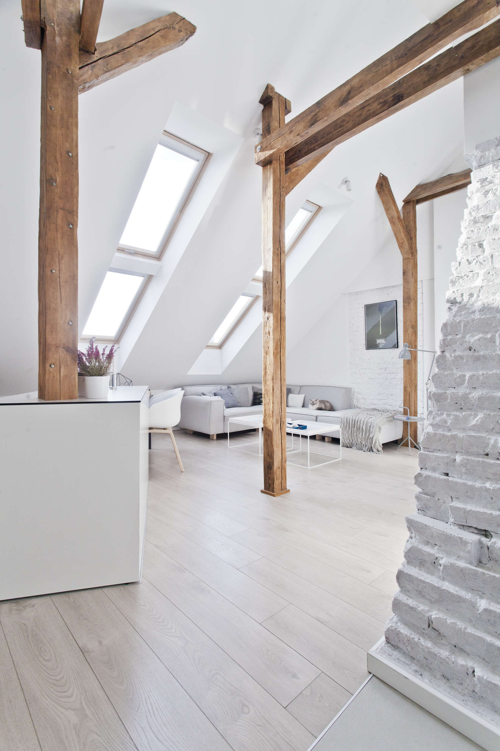 White And Wood - An old attic is transformed into a gorgeous apartment