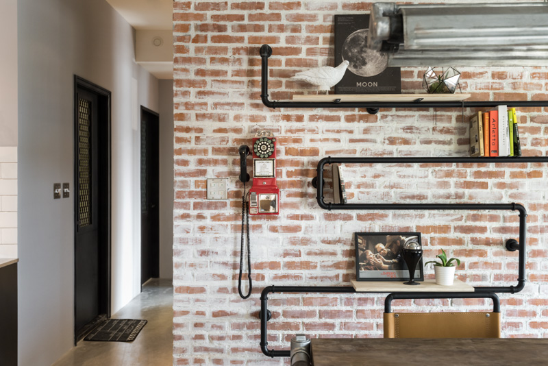 Creative pipe shelving interior design ideas for Pipe decorating ideas