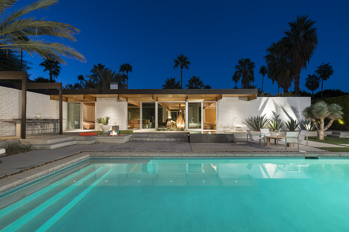 A Mid-Century Desert Oasis in Palm Springs on window house night, water house night, bathroom night, bedroom night, kitchen night, home house night, landscaping house night,