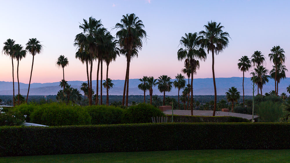 Sunset View Home - Luxury socal home celebrates the endless summer