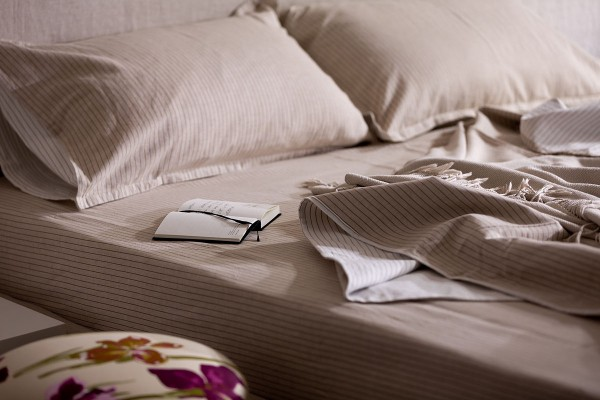 striped-bedsheets