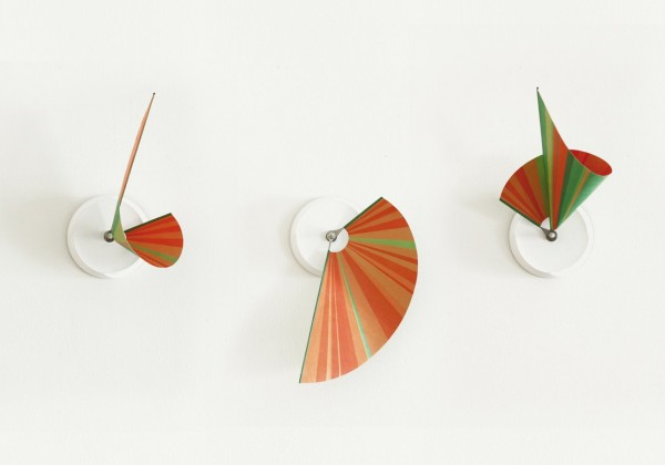 This Manifold Clock is incredible, using 3D motion to create an intricate pattern that is miles away from a standard ticking hand.