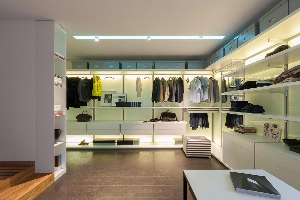Modern Closet spacious-modern-closet | interior design ideas.