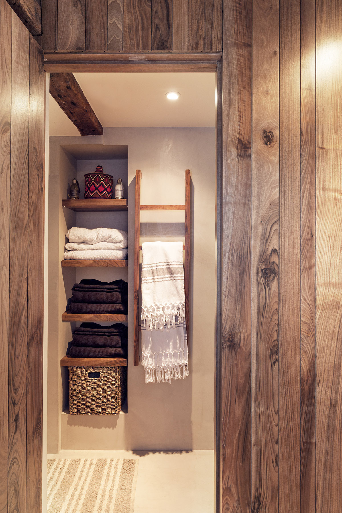 Linen Closet Shelving - 2 small and cute french apartments under 50 square meters