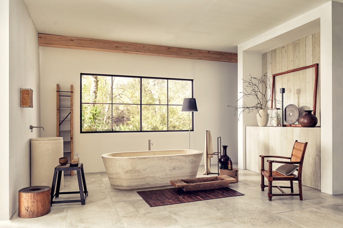 Travertine Tub - 36 bathtub ideas with luxurious appeal