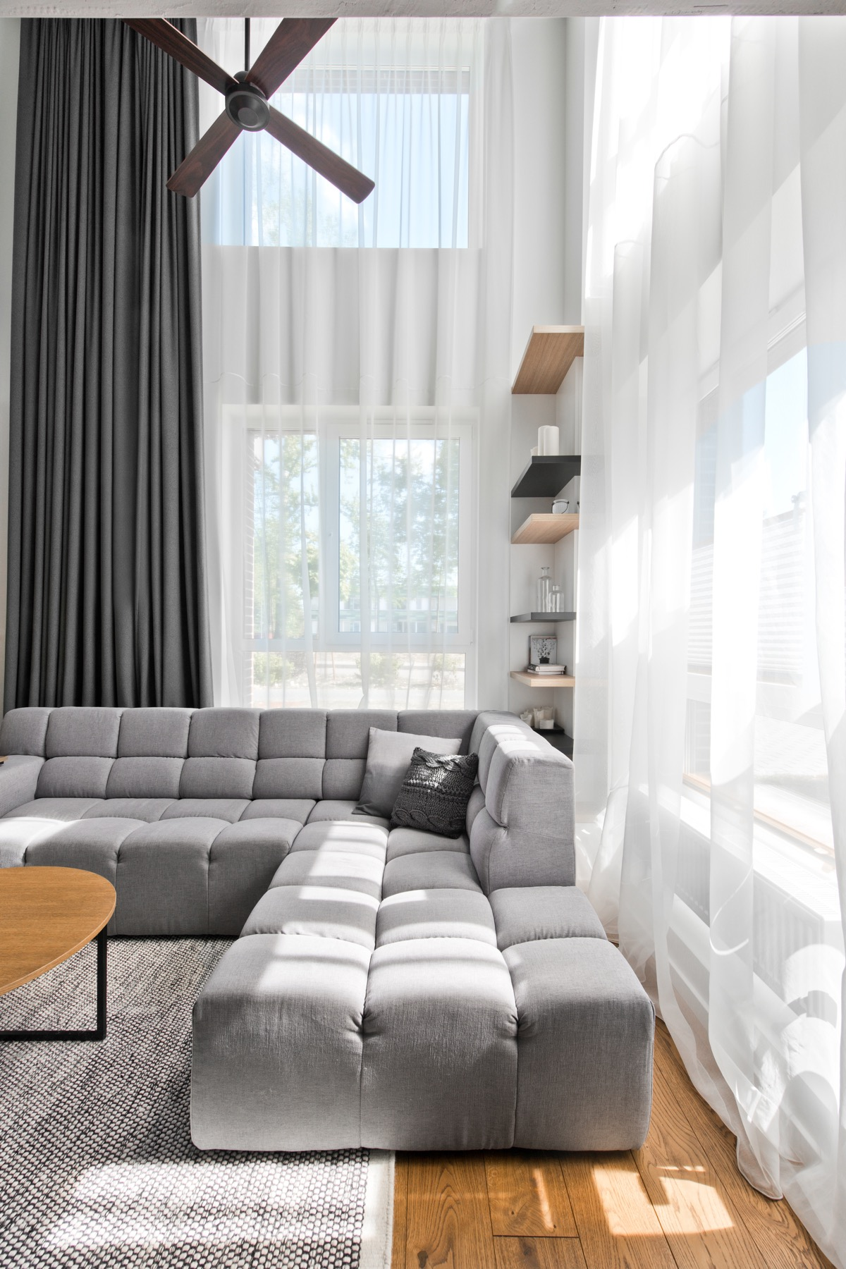 Tufted Sofa - Chic scandinavian loft interior