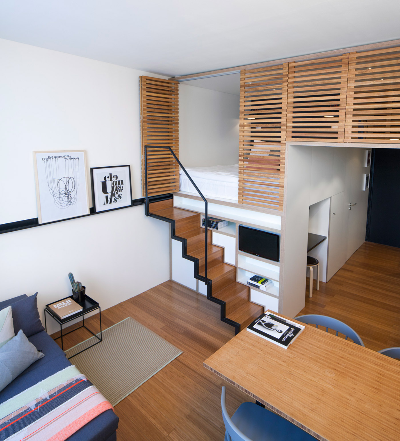 4 awesome small studio apartments with lofted beds for Studio apartment office
