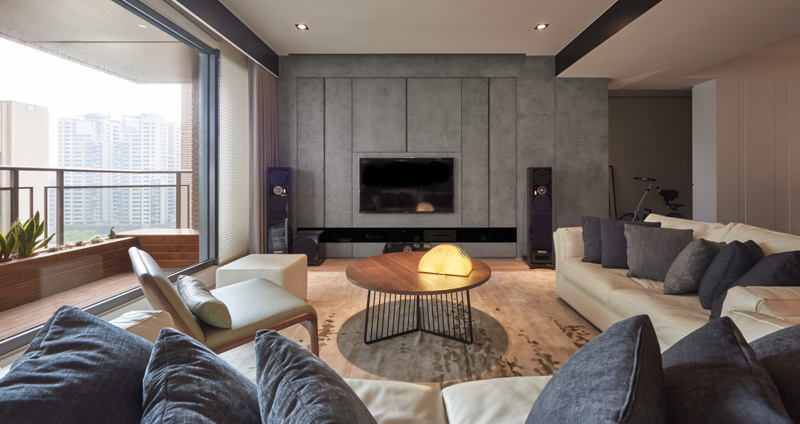 Concrete Living Room Design - A stylish family apartment from made go design