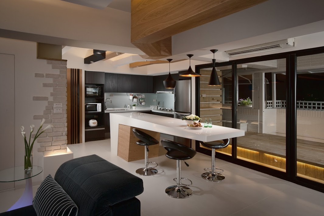 4 sleek interiors where wood takes center stage for Armoire de cuisine contemporaine 2014