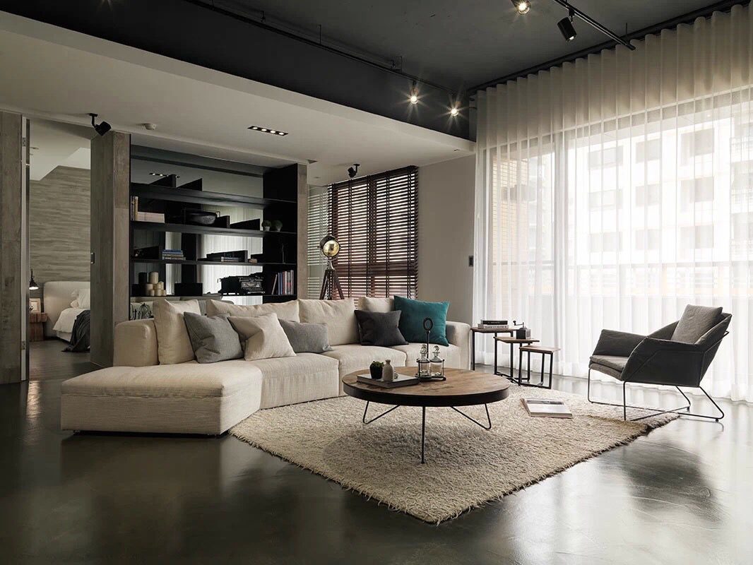 Asian interior design trends in two modern homes with for Trends muebles