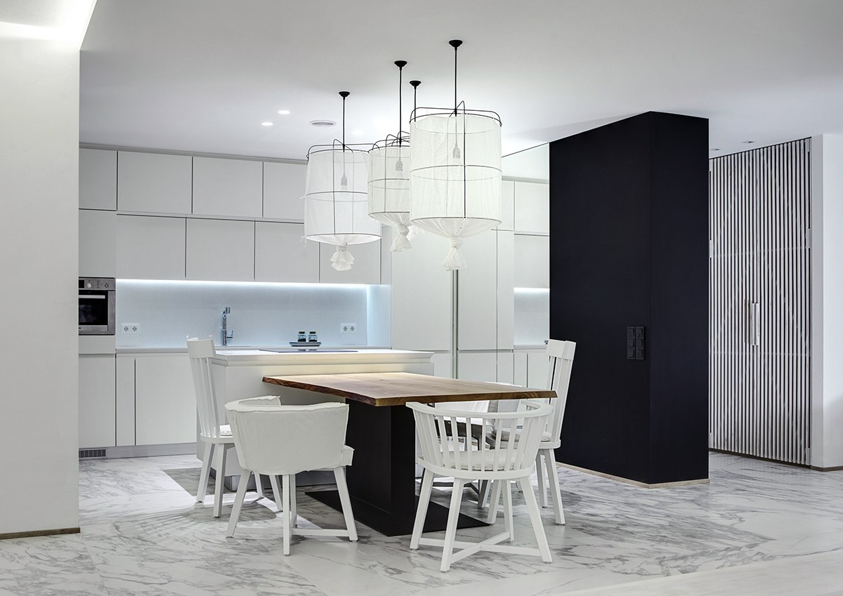 Cool Black And White Kitchen Decor - A bright white home with organic details
