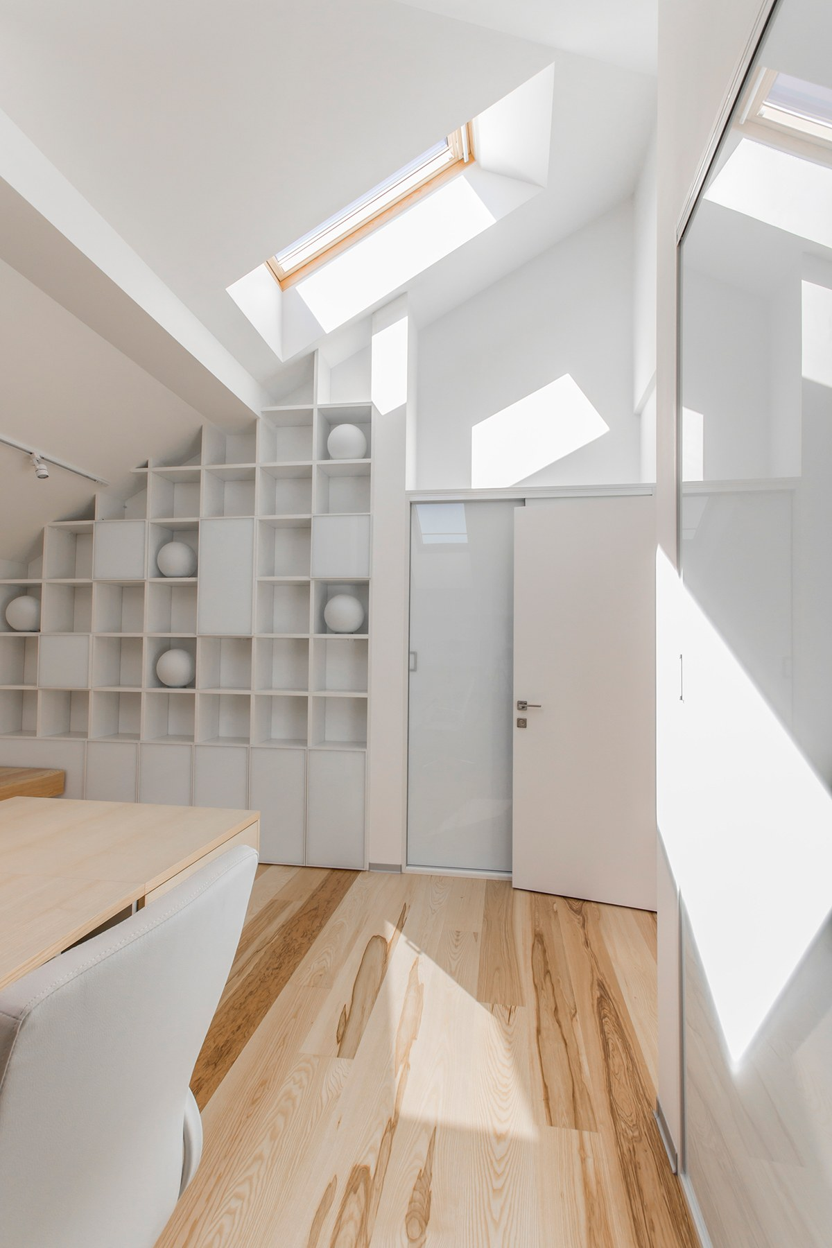Cubby Book Shelf Decoration - A kid friendly apartment renovation by ruetemple architects