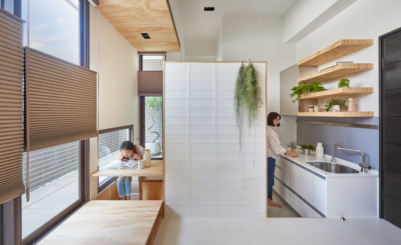 Innovative Small Kitchen And Dining - An incredibly compact house under 40 square meters that uses natural decor