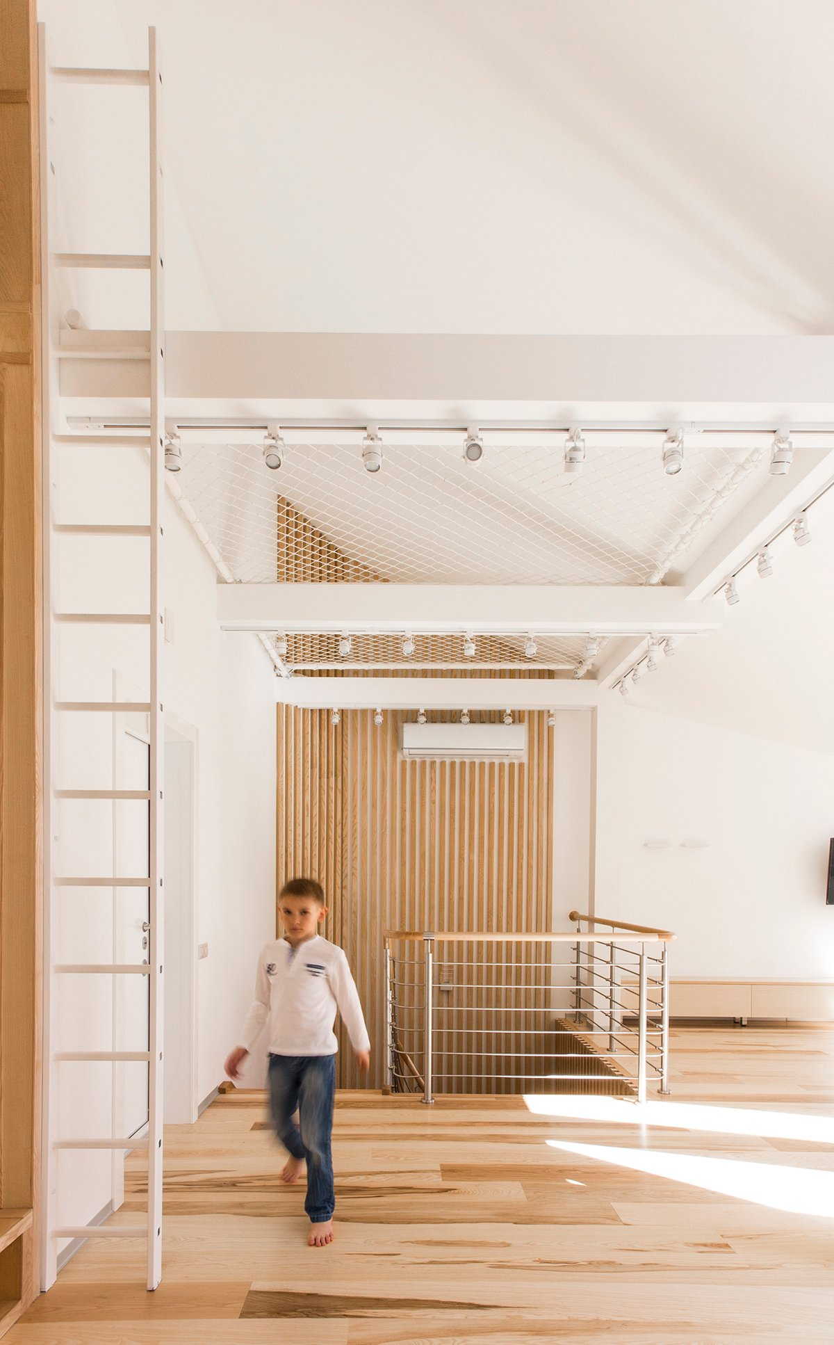 Loft Playspace For Kids - A kid friendly apartment renovation by ruetemple architects